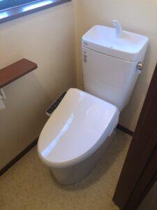 交換後トイレの写真