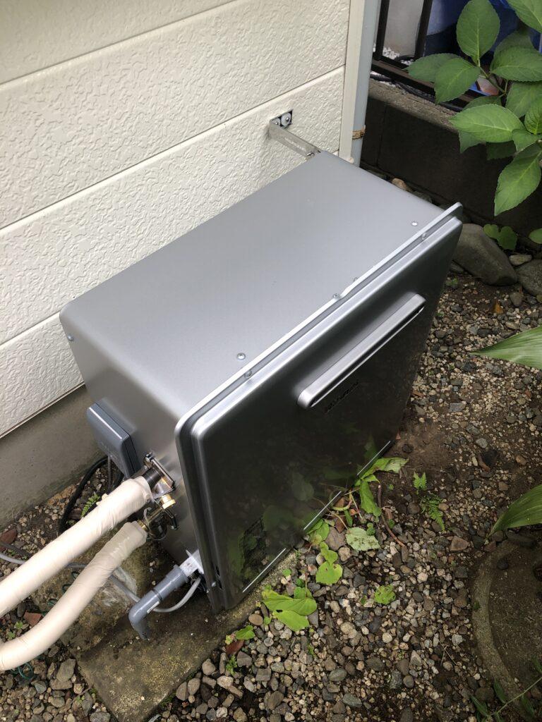 交換後の給湯器の写真