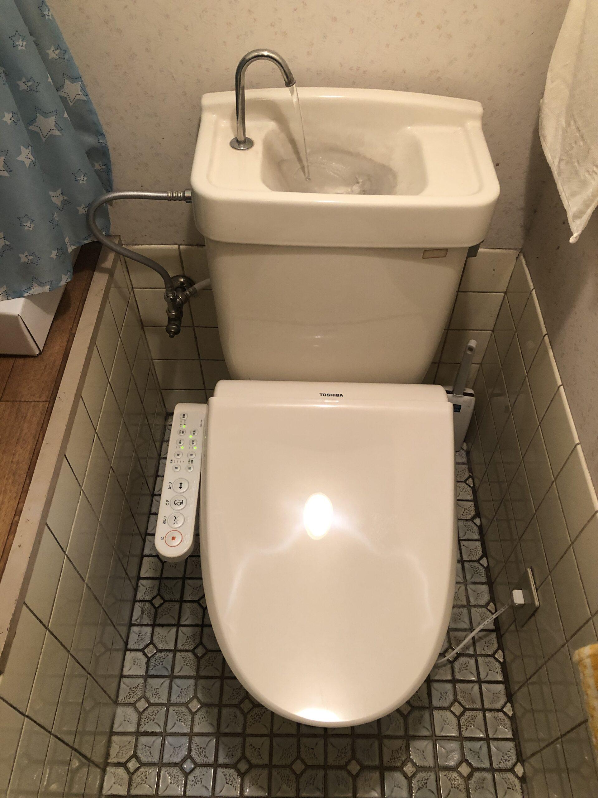 温水洗浄便座取付後の写真